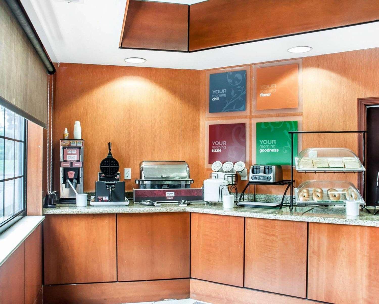 comfort inn hamburg ny see discounts. Black Bedroom Furniture Sets. Home Design Ideas