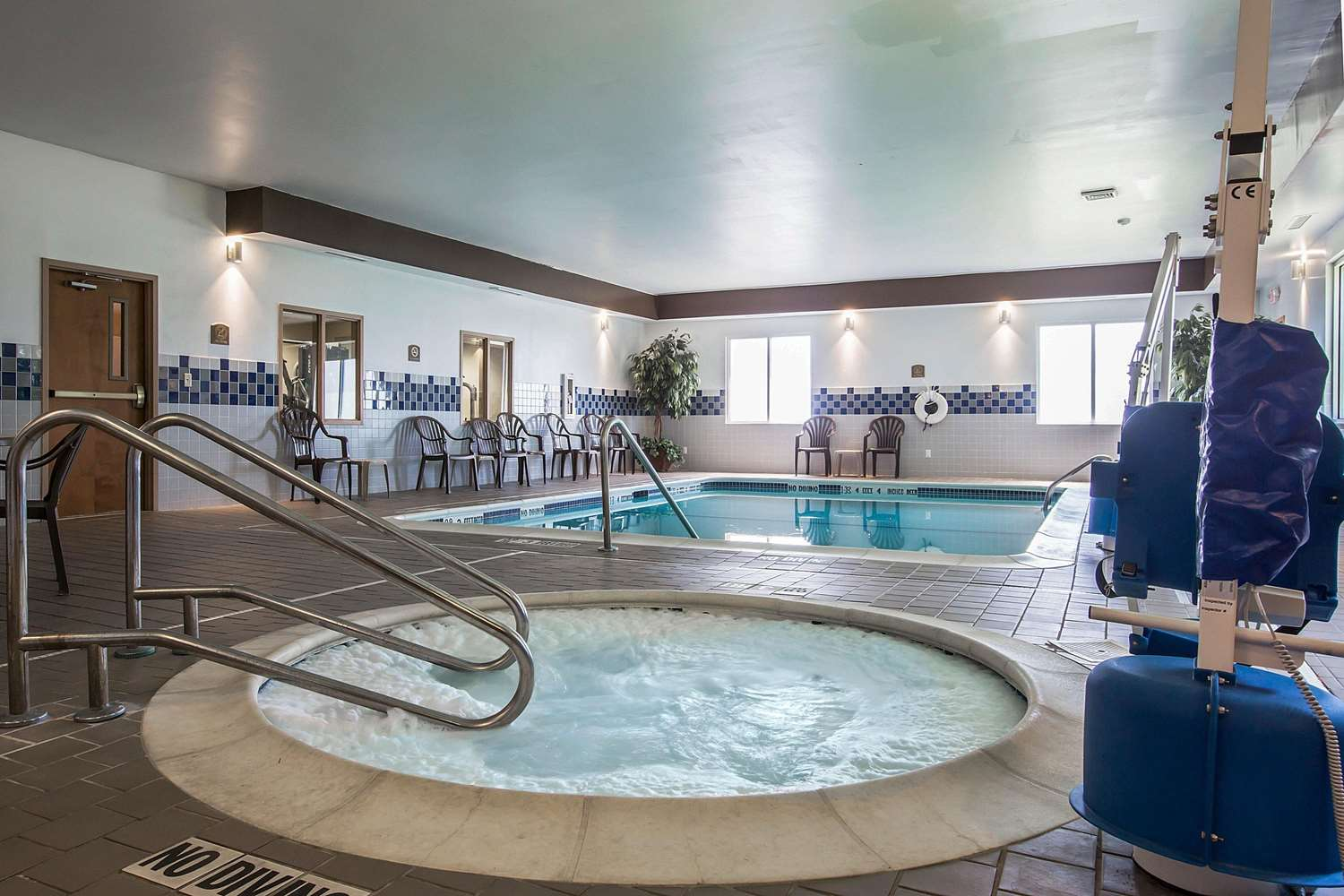 Pool - Comfort Inn Glenmont