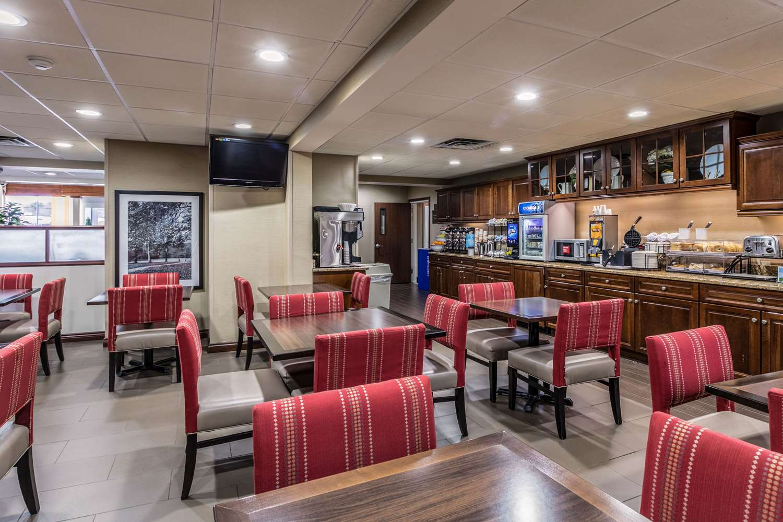 Restaurant - Comfort Inn Medford