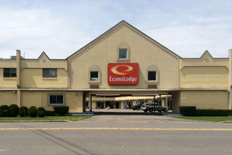 Exterior view - Econo Lodge Cortland