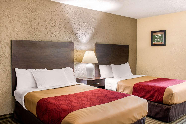 Room - Econo Lodge Inn & Suites Binghamton