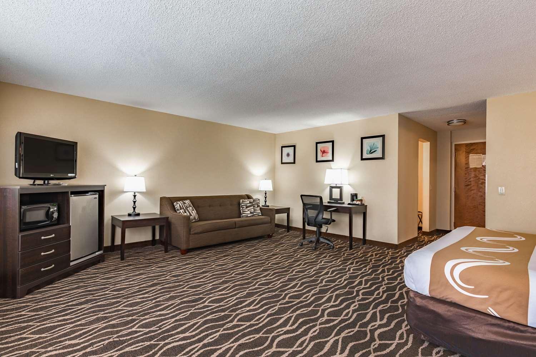 Room - Quality Inn Schenectady
