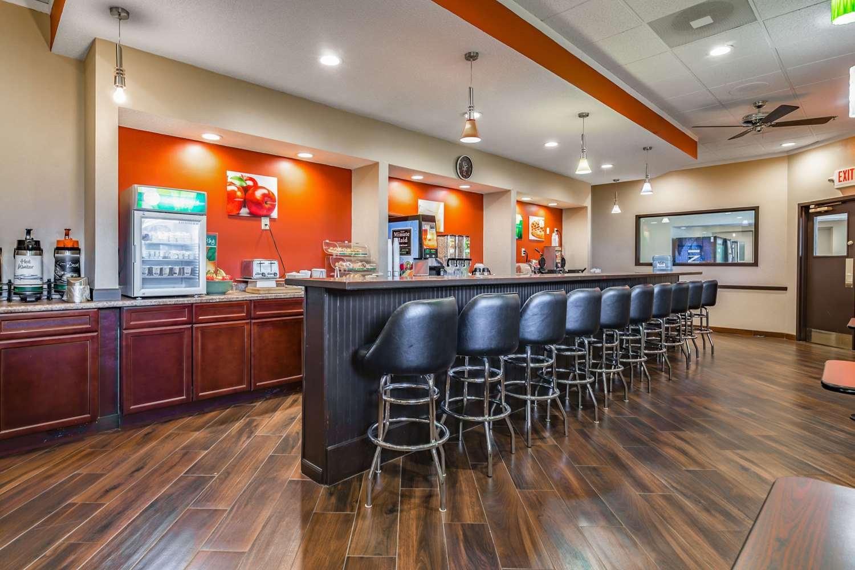 Restaurant - Quality Inn Schenectady