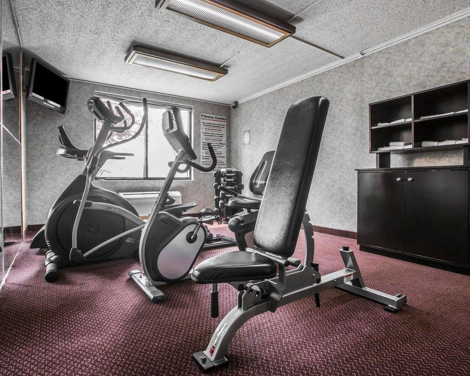 Fitness/ Exercise Room - Quality Inn & Suites Kingston