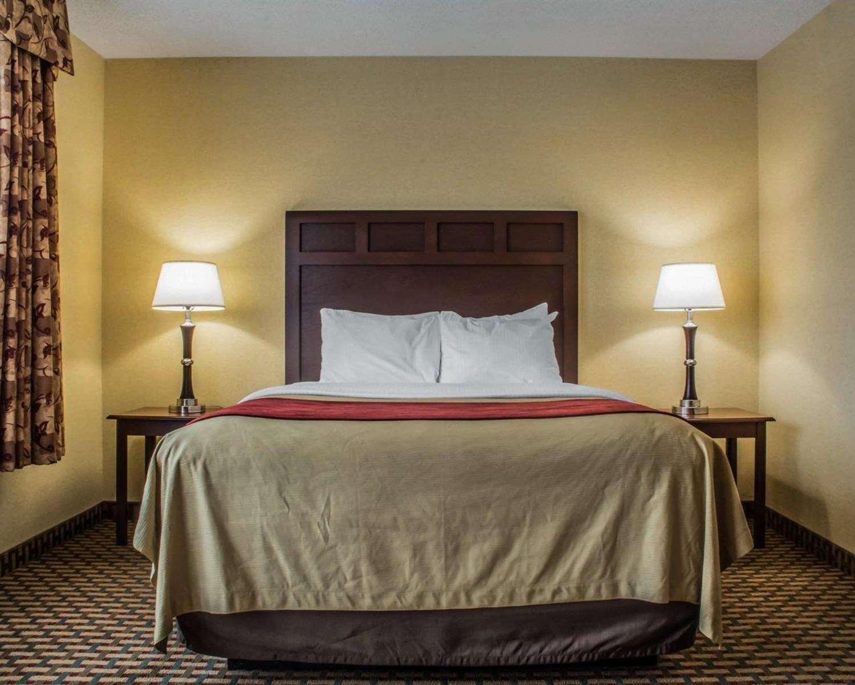 Suite - Comfort Inn & Suites Farmington