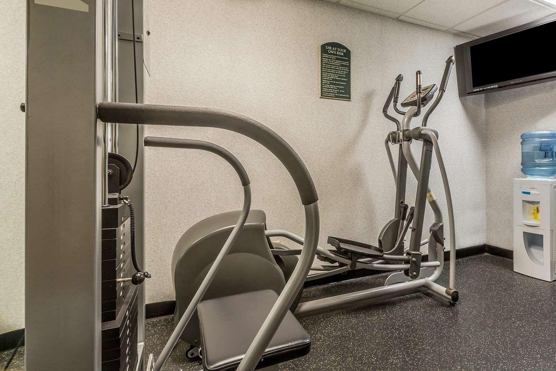 Fitness/ Exercise Room - Quality Inn Hyde Park