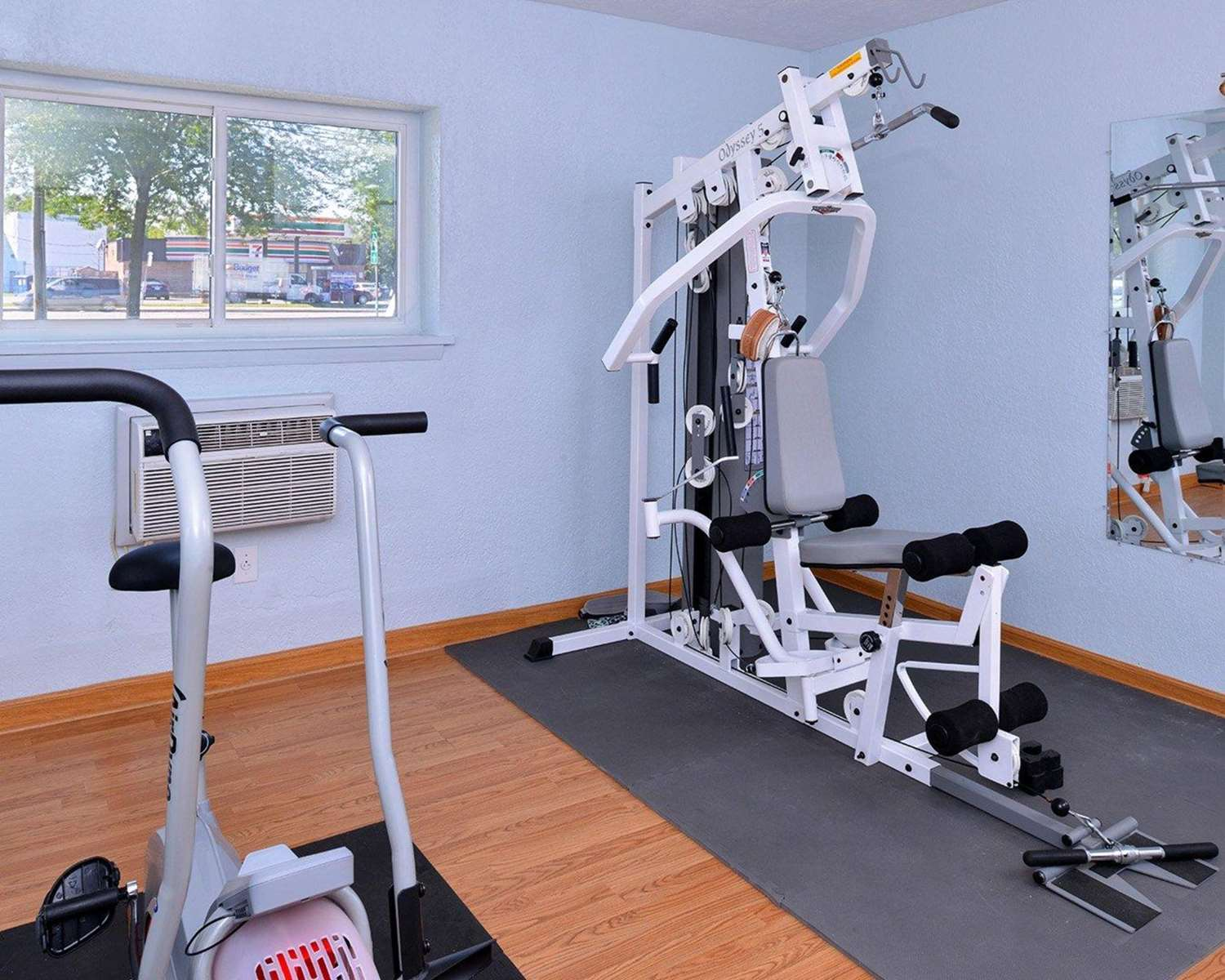 Fitness/ Exercise Room - Econo Lodge Rochester