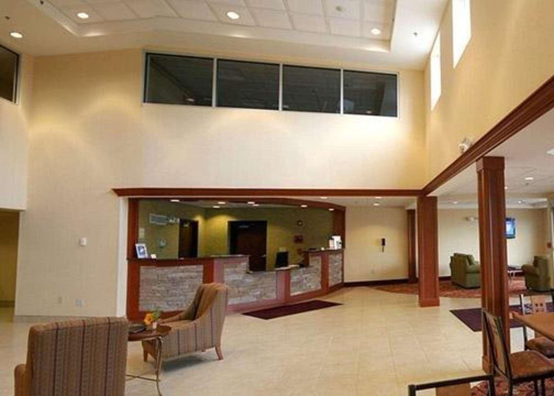Lobby - Comfort Inn & Suites Saratoga Springs