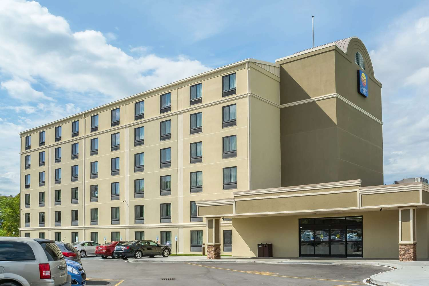 Exterior view - Comfort Inn The Pointe Niagara Falls