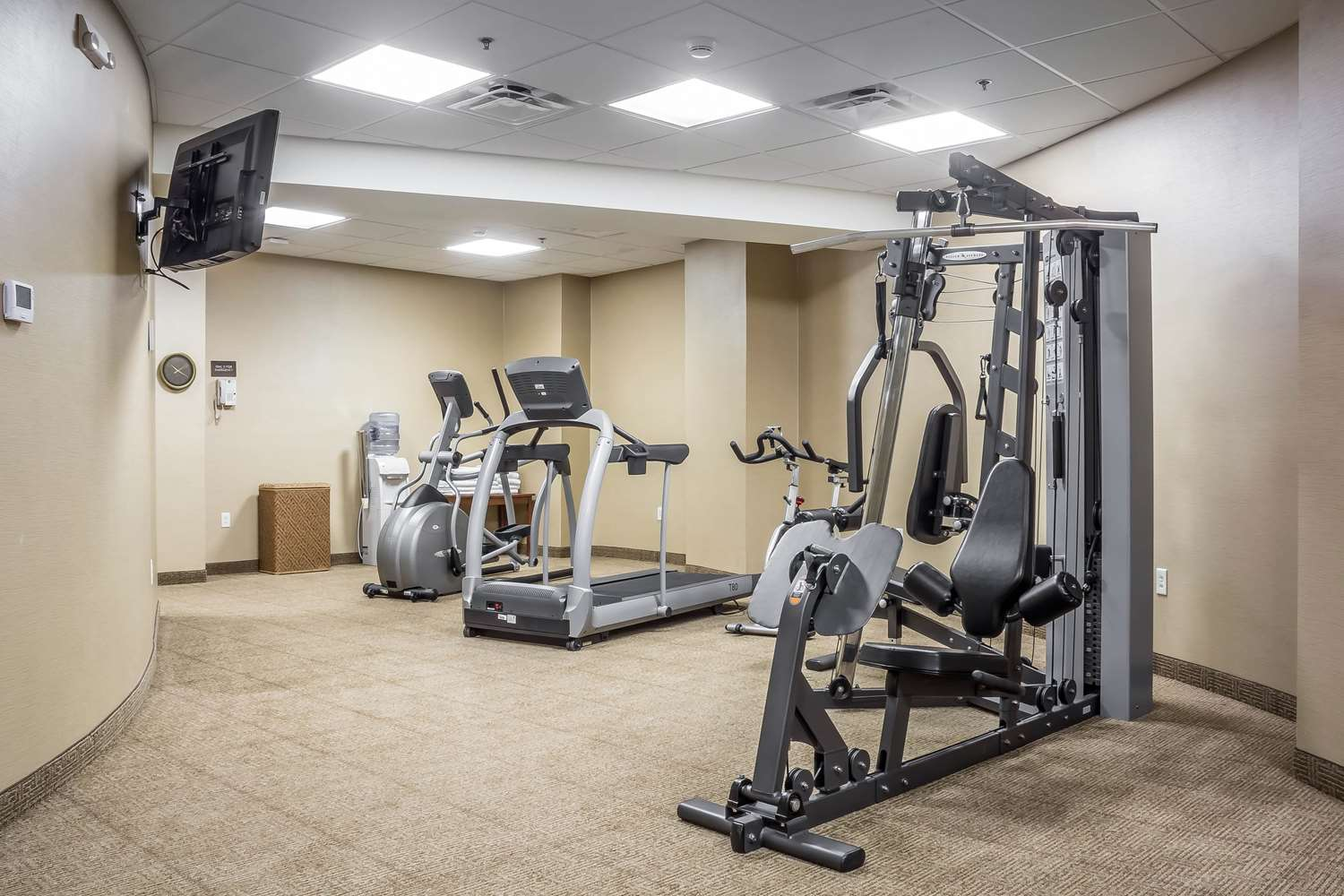Fitness/ Exercise Room - Comfort Inn The Pointe Niagara Falls