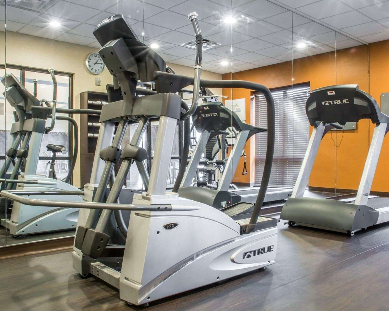 Fitness/ Exercise Room - Comfort Suites Cicero