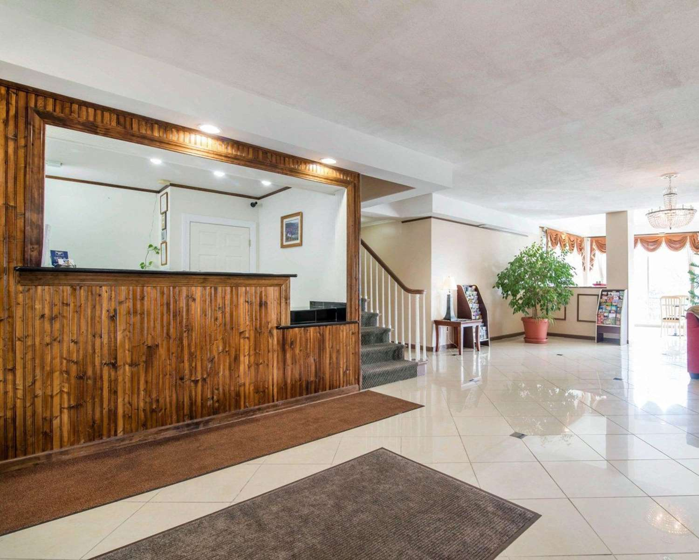 Lobby - Rodeway Inn Kingston