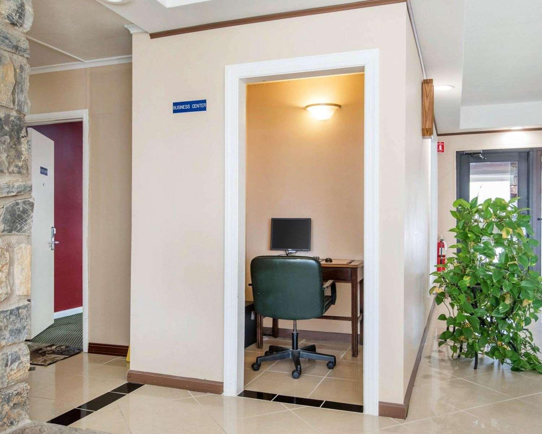 Conference Area - Rodeway Inn Kingston