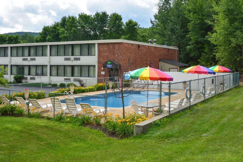 Pool - Rodeway Inn Lake George