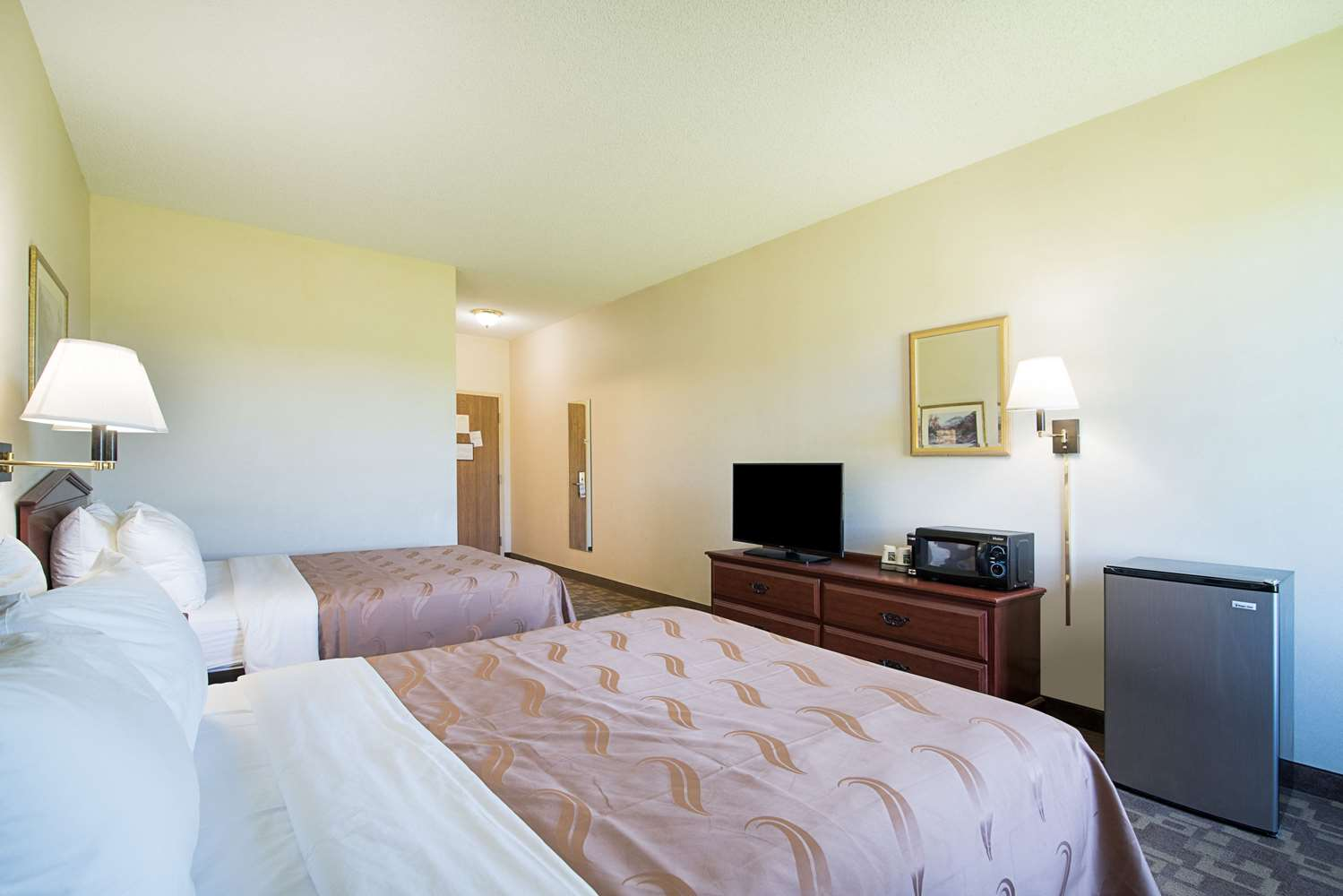 Room - Quality Inn & Suites Schoharie