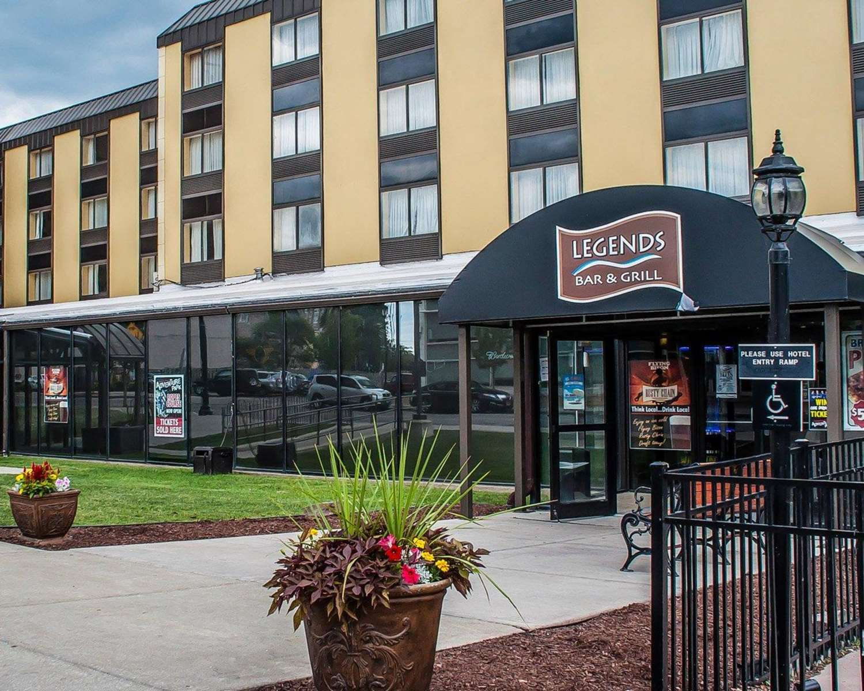 Exterior view - Quality Hotel & Suites Niagara Falls