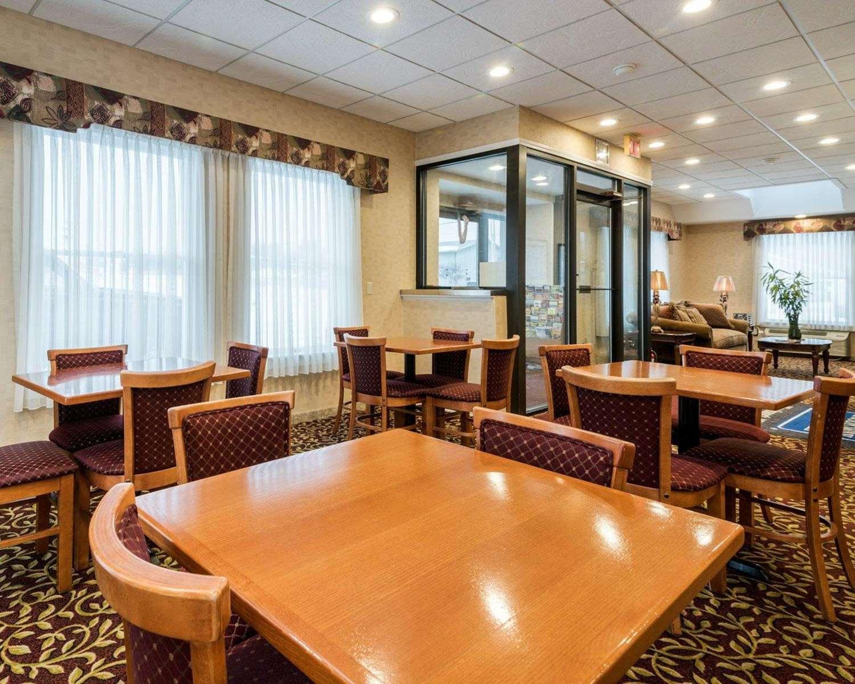 Restaurant - Rodeway Inn Weedsport