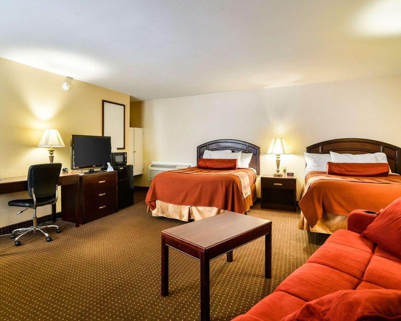 Suite - Rodeway Inn Weedsport