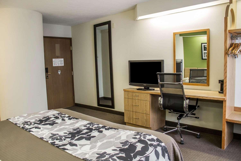Room - Sleep Inn Bolivar