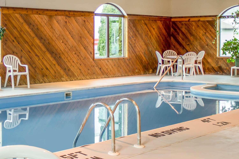 Pool - Sleep Inn Bolivar