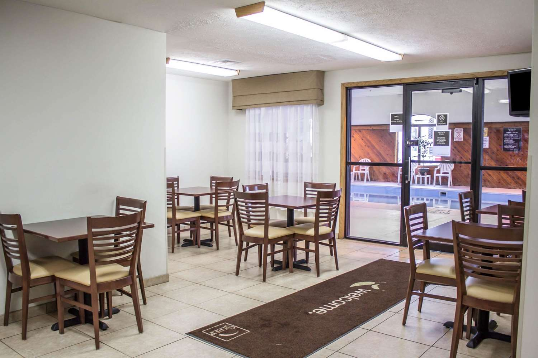 Restaurant - Sleep Inn Bolivar