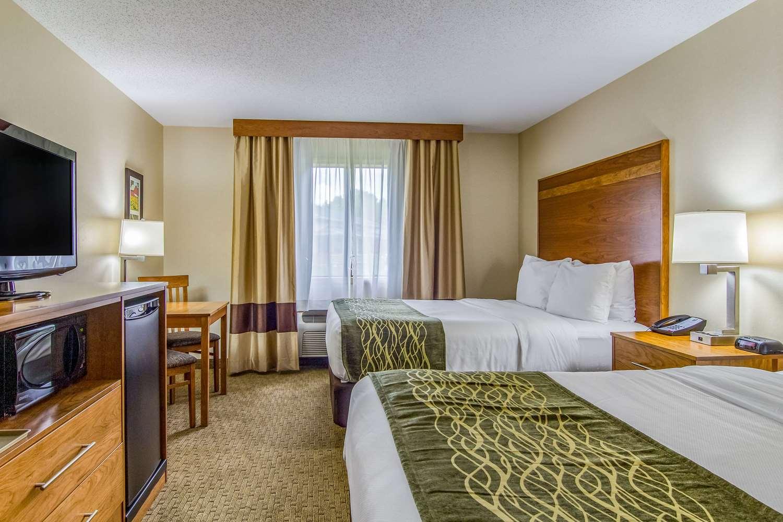 Comfort Inn Millersburg, OH - See Discounts