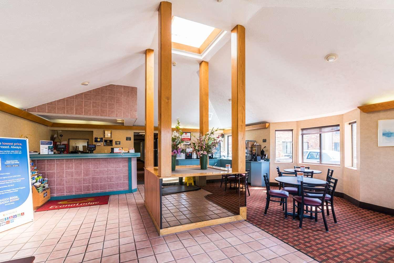 Lobby - Econo Lodge Streetsboro
