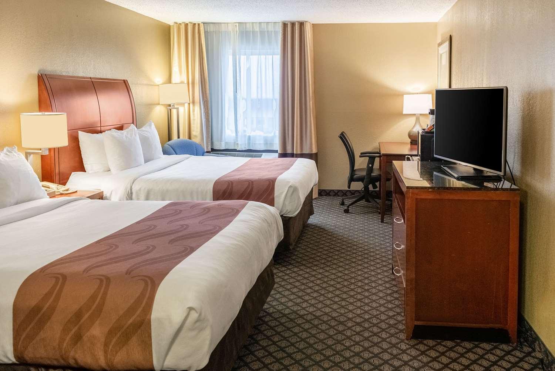 Room - Quality Inn & Suites Seville
