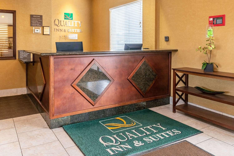 Lobby - Quality Inn & Suites Seville