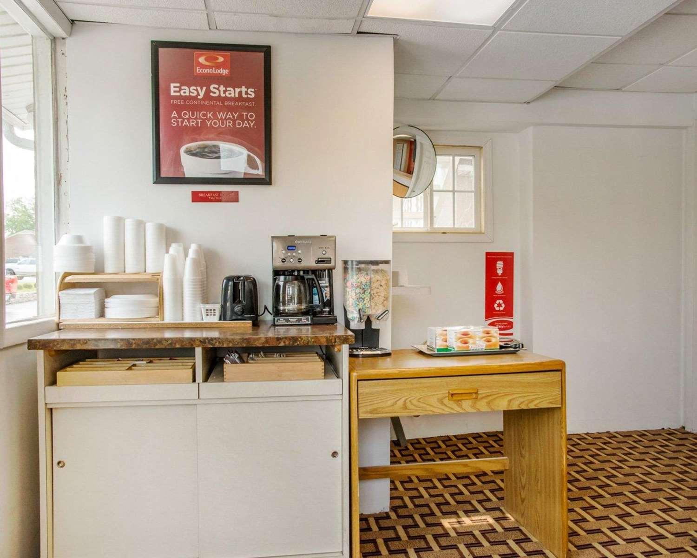 Restaurant - Econo Lodge Franklin