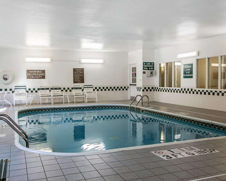 Pool - Quality Inn North Dayton
