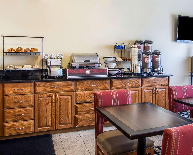 Restaurant - Quality Inn North Dayton