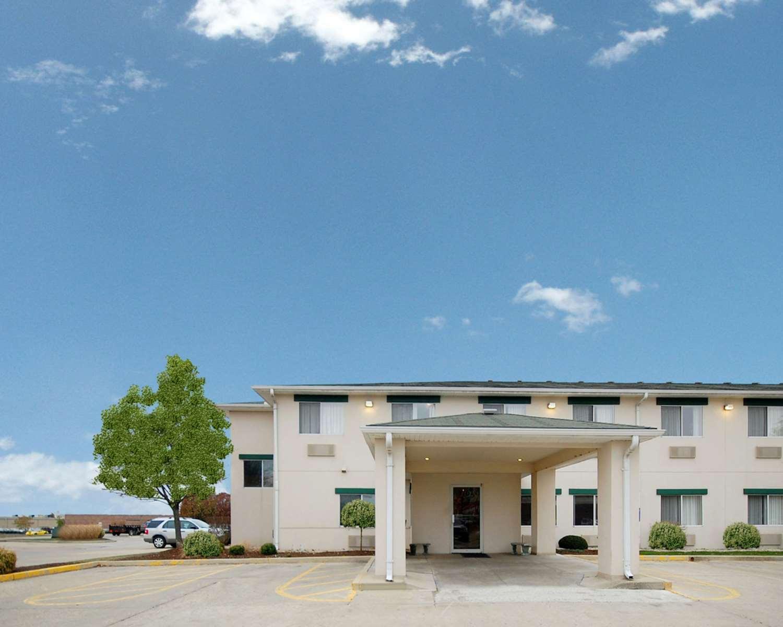 Exterior view - Quality Inn North Dayton