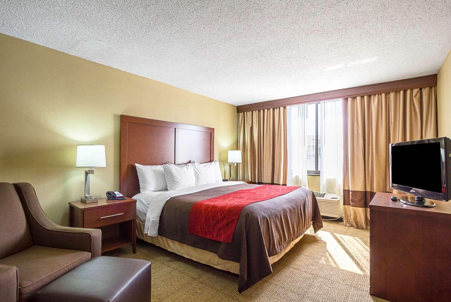 Room - Comfort Inn Downtown Cleveland