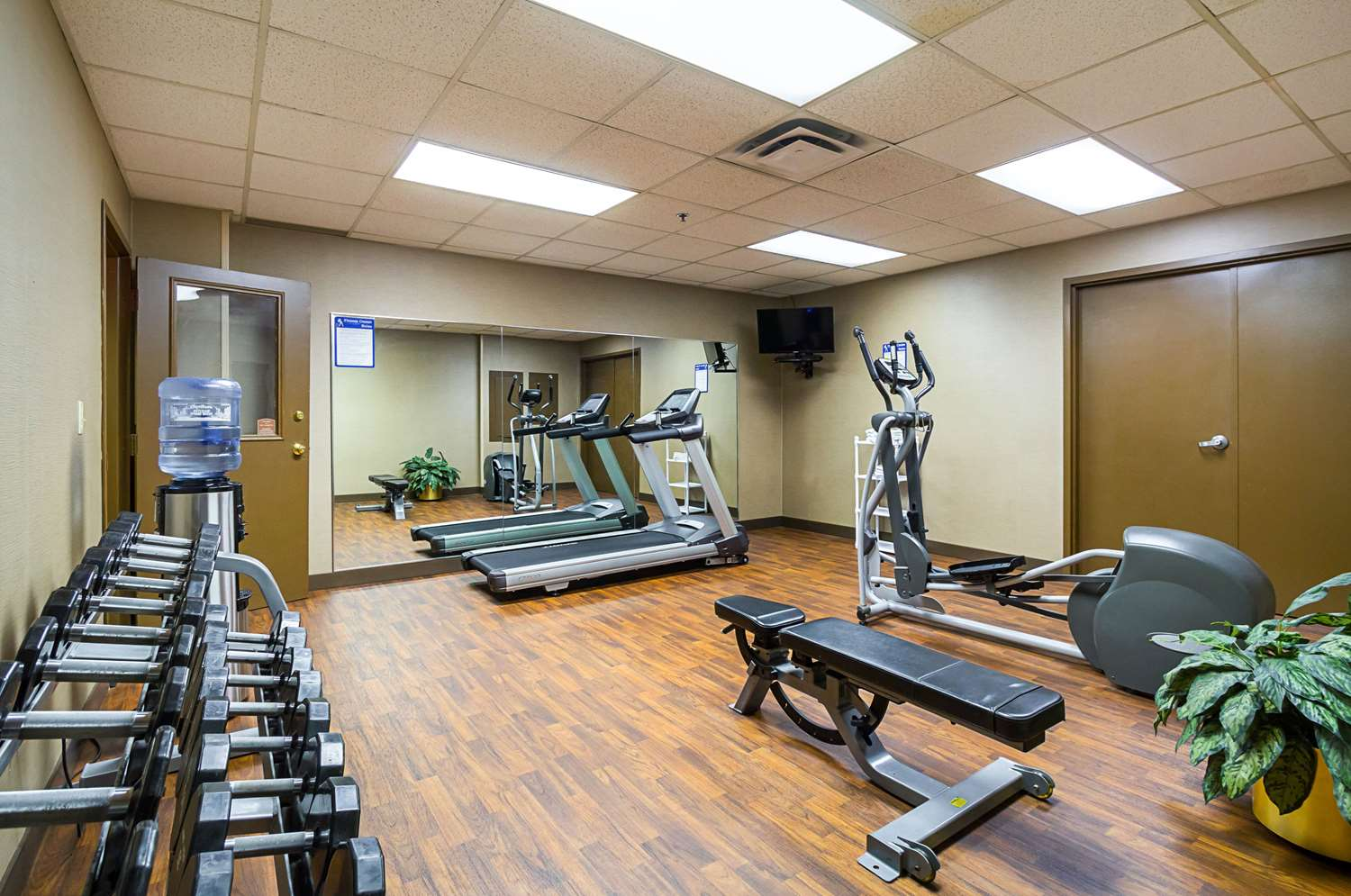 Fitness/ Exercise Room - Comfort Inn Downtown Cleveland