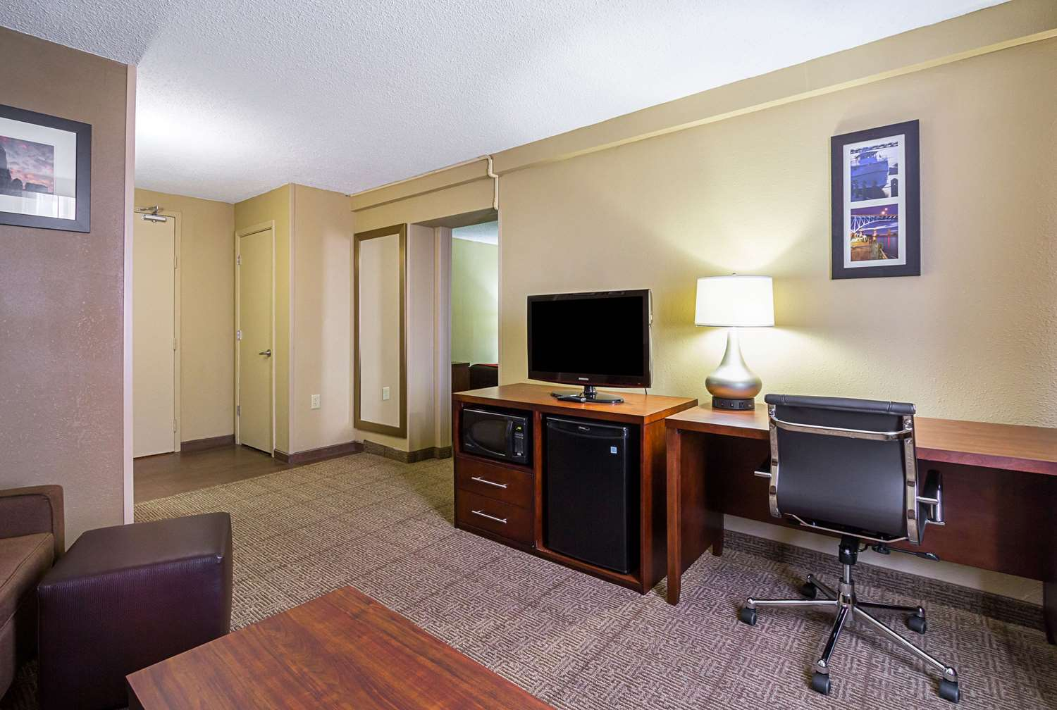Suite - Comfort Inn Downtown Cleveland