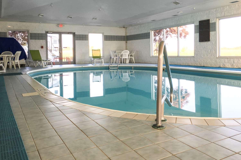 Pool - Comfort Inn Bluffton