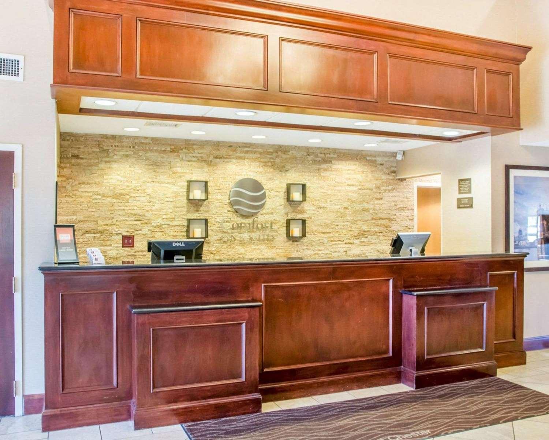 Lobby - Comfort Inn & Suites West Chester