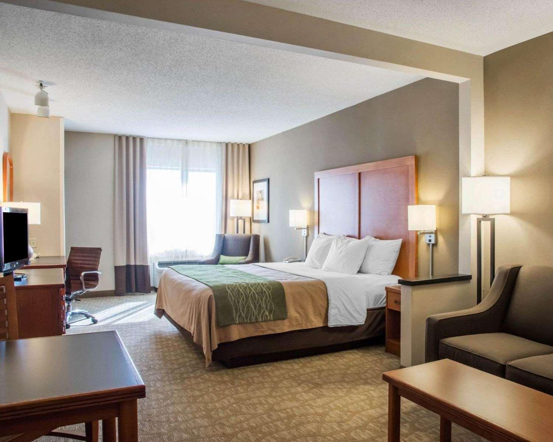 Suite - Comfort Inn & Suites West Chester