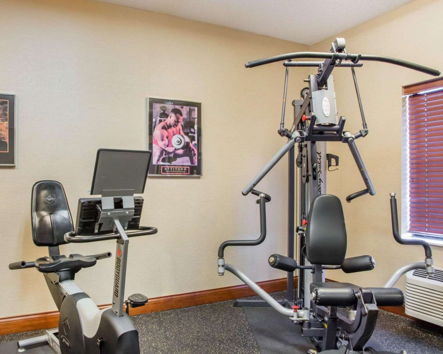 Fitness/ Exercise Room - Comfort Inn & Suites West Chester