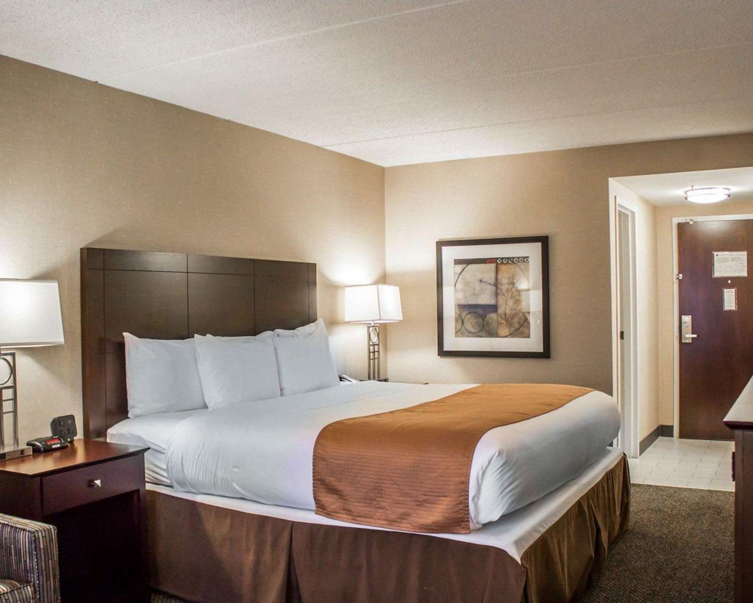 Room - Comfort Inn & Suites Wadsworth