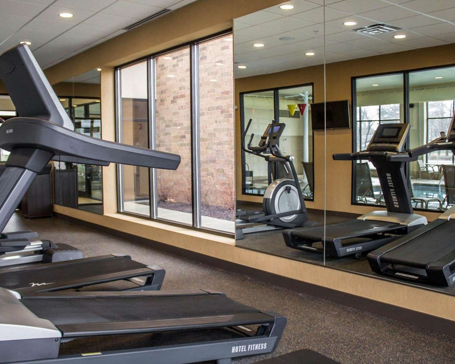 Fitness/ Exercise Room - Comfort Inn & Suites Wadsworth