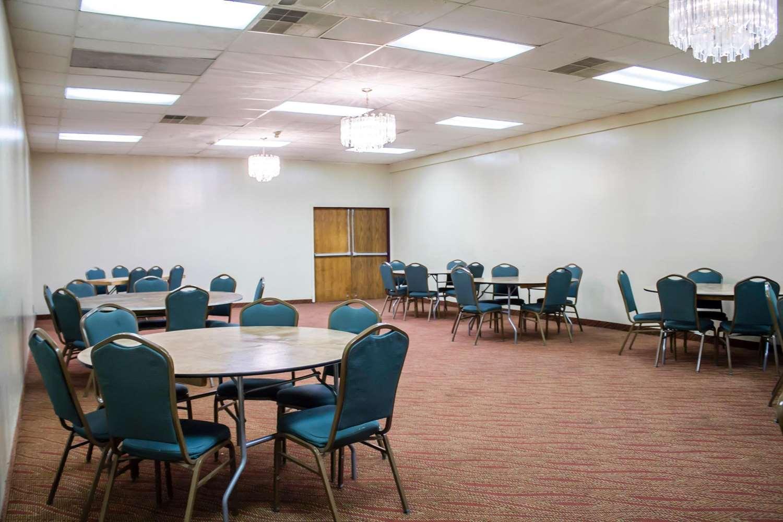 Meeting Facilities - Econo Lodge Wickliffe