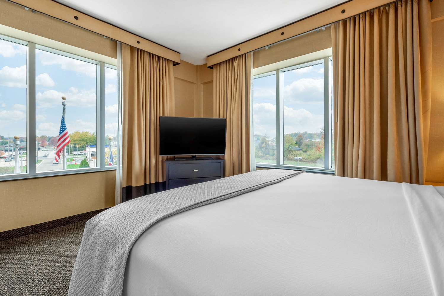 Suite - Cambria Hotel Akron-Canton Airport Uniontown
