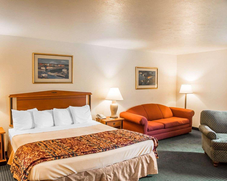 Room - Suburban Extended Stay Hotel Beavercreek