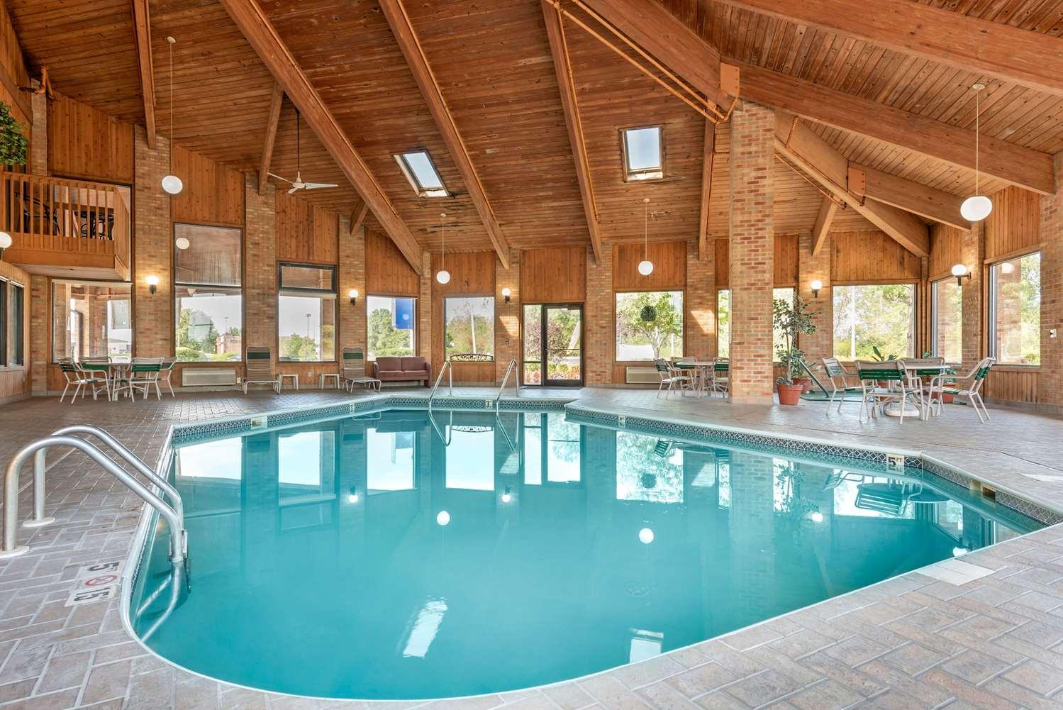 Pool - Quality Inn Washington Court House Jeffersonville