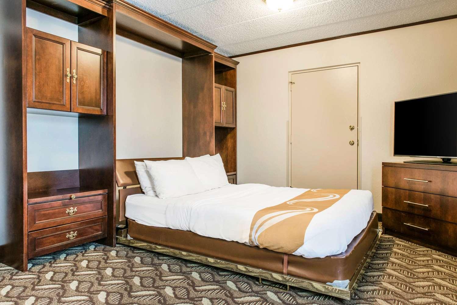 Suite - Quality Inn & Suites Zanesville