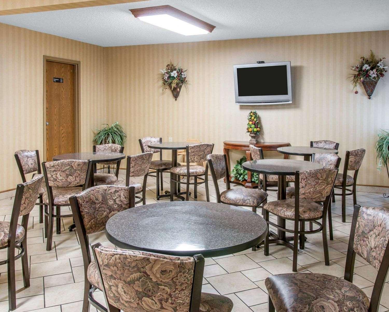 Restaurant - Comfort Inn Maumee
