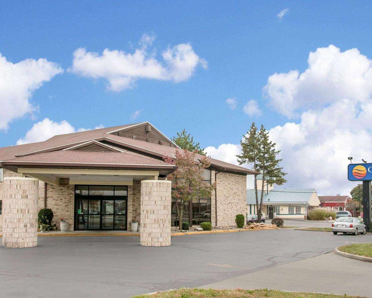 Exterior view - Comfort Inn Maumee