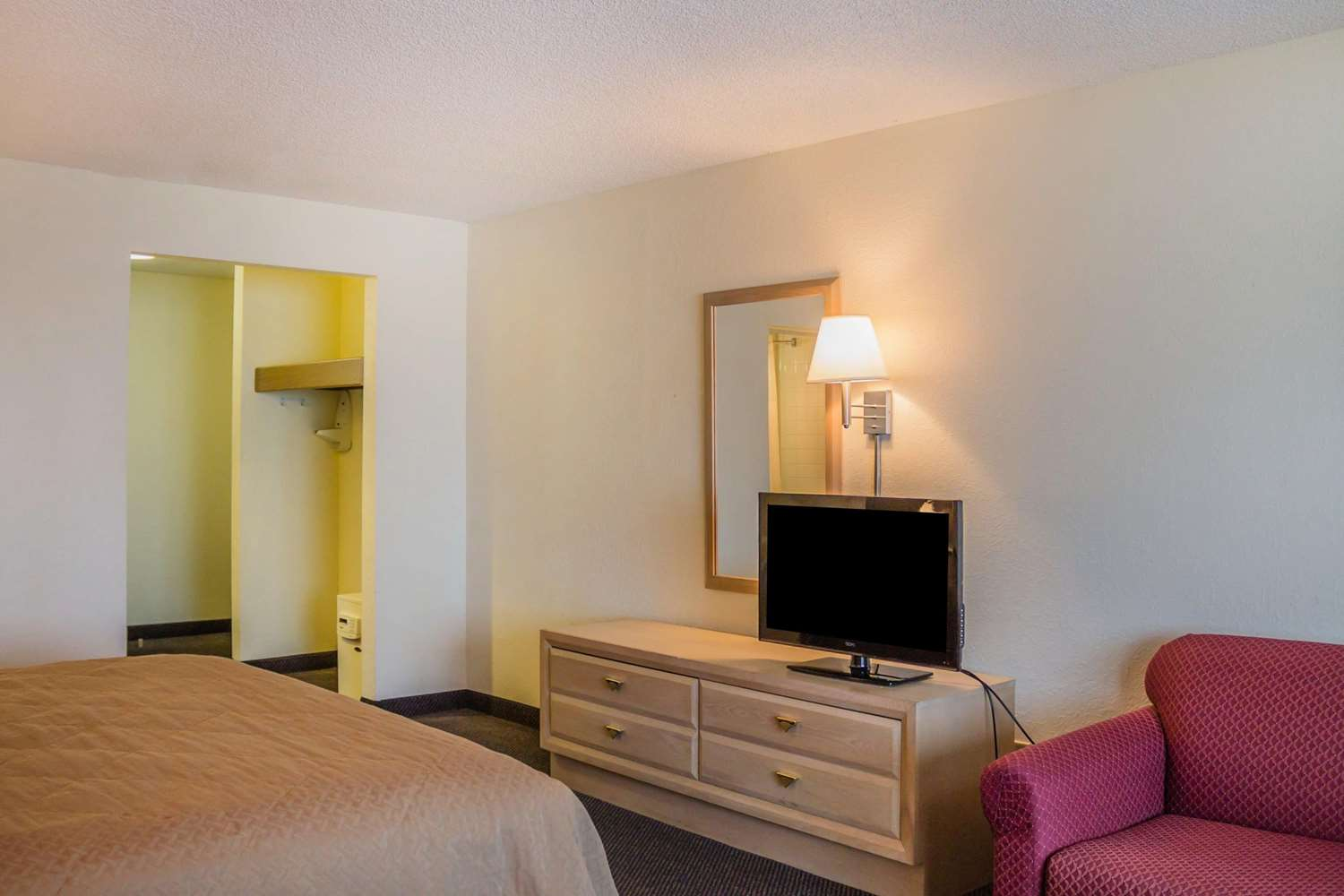 Room - Quality Inn Port Clinton